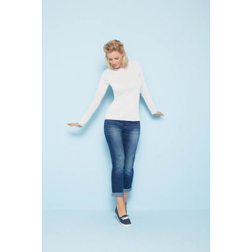 64400L Softstyle® Fitted Ladies' Long Sleeve T-Shirt